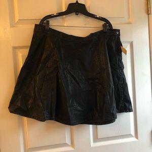Forever 21 3x faux leather skater skirt